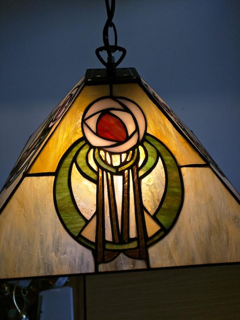 lampada a sospensione tiffany con fiore