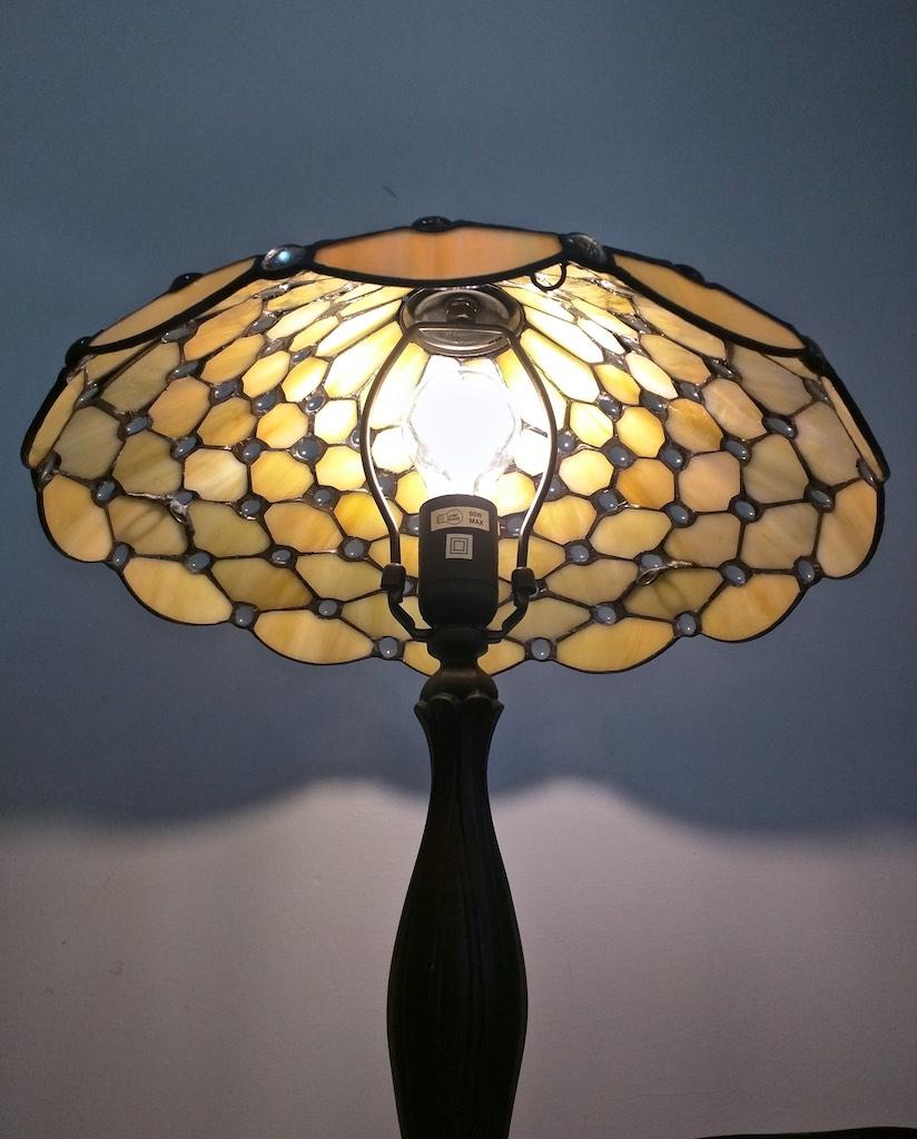 lampada tiffany da tavolo vetro opalescente