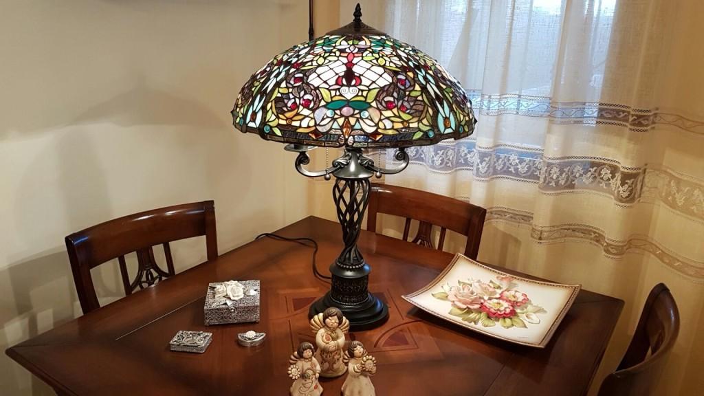 lampada tiffany a mosaico da tavolo