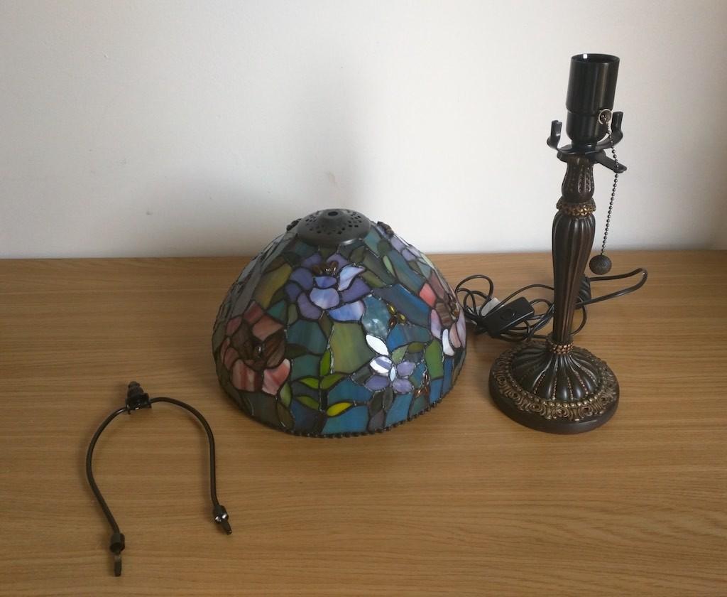 Lampada da Tavolo o Scrivania Tiffany con Fiori, colorata 1