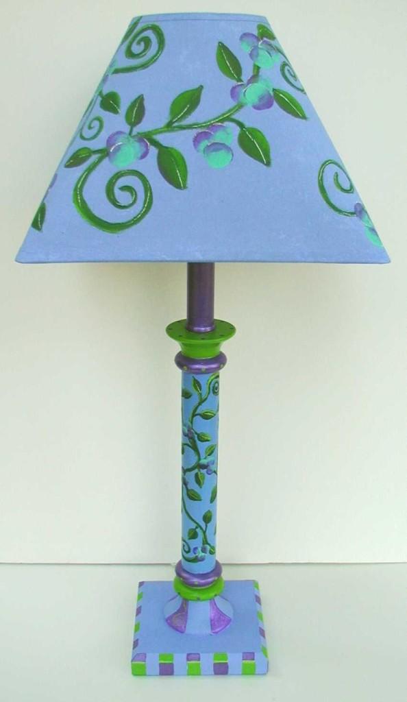 lampada con disegni dipinti a mano