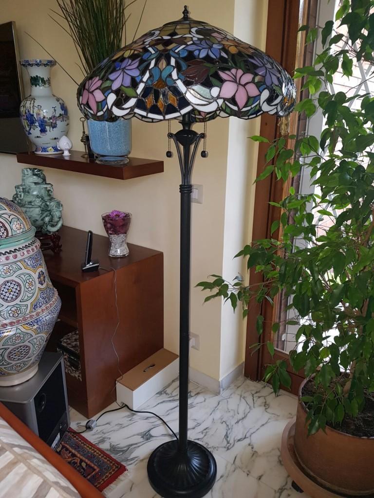 piantana tiffany con fiori floreale