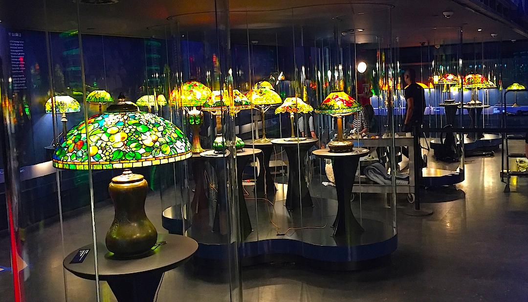 Plafoniere Stile Tiffany : Lampade da scrivania tiffany la scelta perfetta per il tuo ufficio