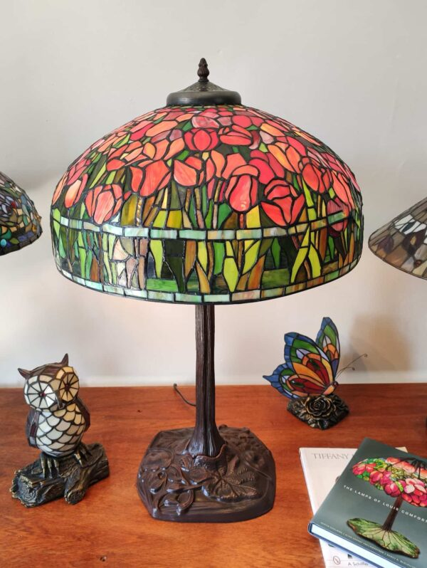 Lampada da Tavolo Tiffany con Tulipani 12