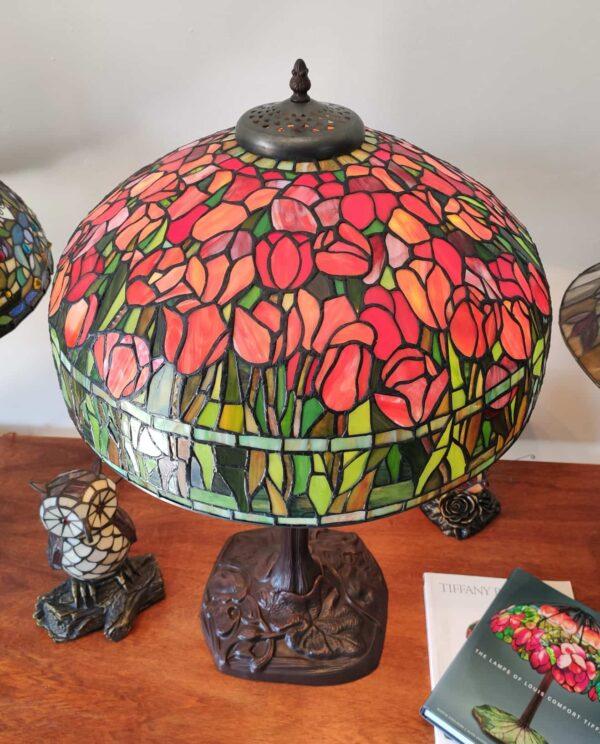 Lampada da Tavolo Tiffany con Tulipani 19