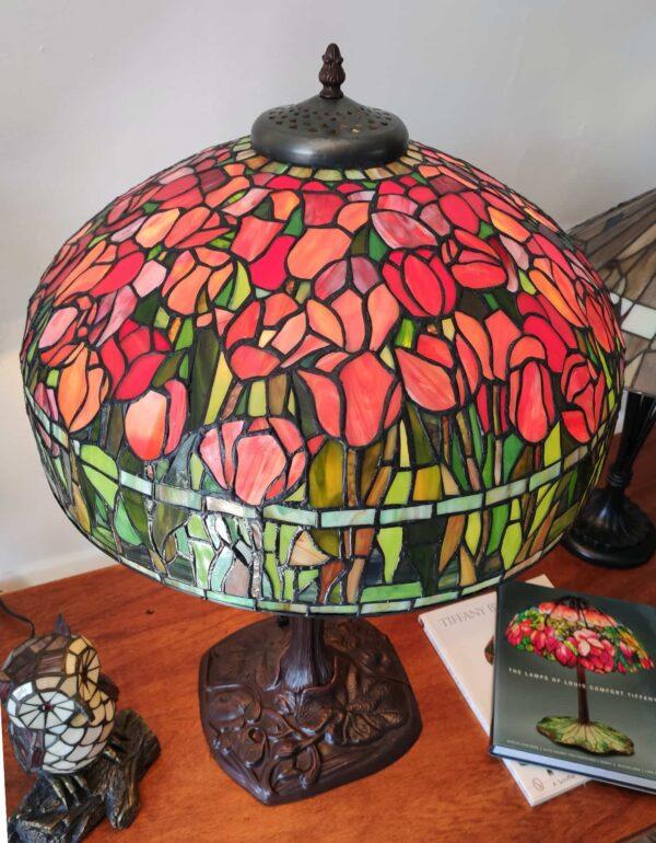 Lampada da Tavolo Tiffany con Tulipani 11