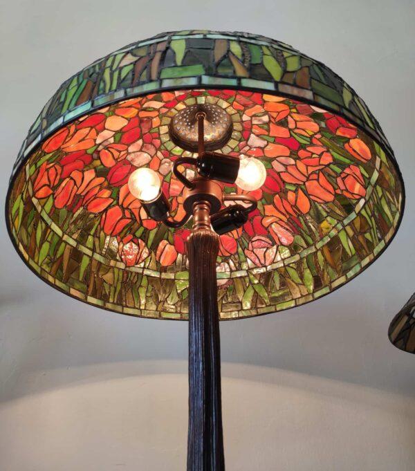 Lampada da Tavolo Tiffany con Tulipani 15