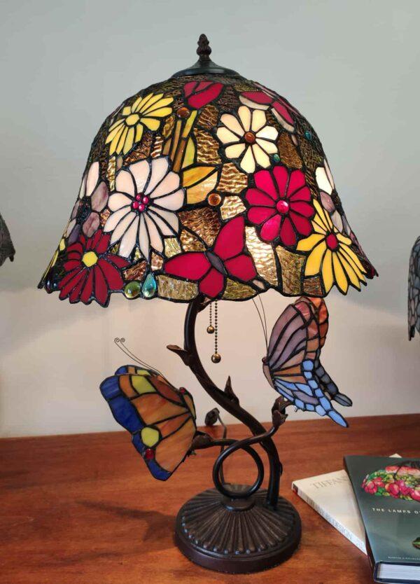 lampada tiffany da tavolo con farfalle 10