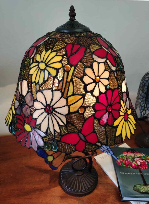 lampada tiffany da tavolo con farfalle 7