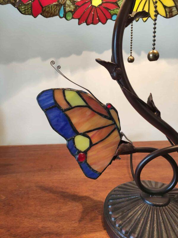 lampada tiffany da tavolo con farfalle 12