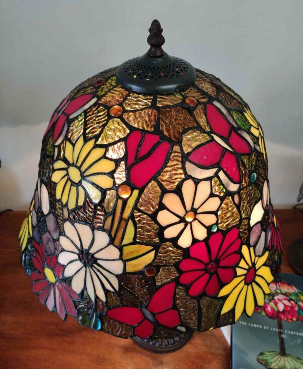 lampada tiffany da tavolo con farfalle 11