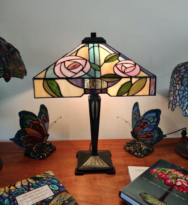 Lampada da Tavolo Tiffany con Fiori 411@0.5x