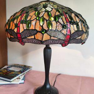 lampada da tavolo con libellule tiffany