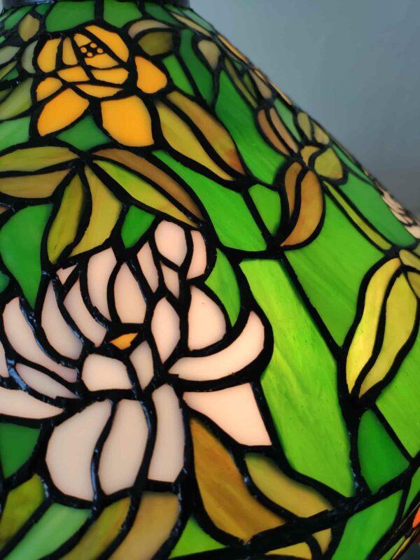 lampada da tavolo tiffany verde con fiori 9