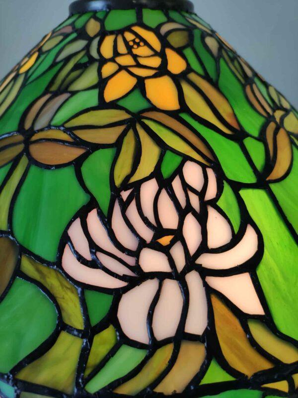 lampada da tavolo tiffany verde con fiori 8