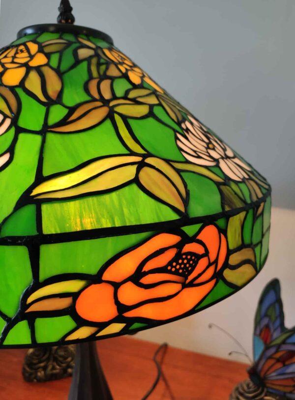 lampada da tavolo tiffany verde con fiori 7