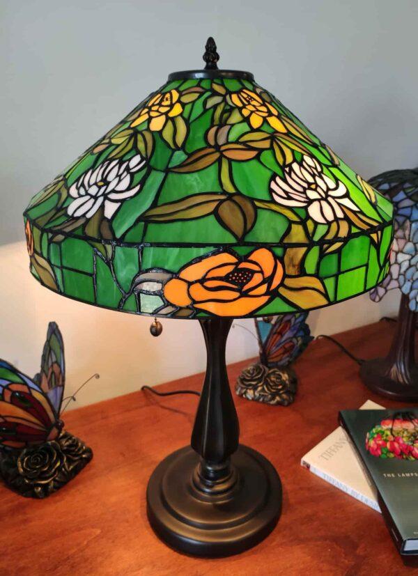 lampada da tavolo tiffany verde con fiori