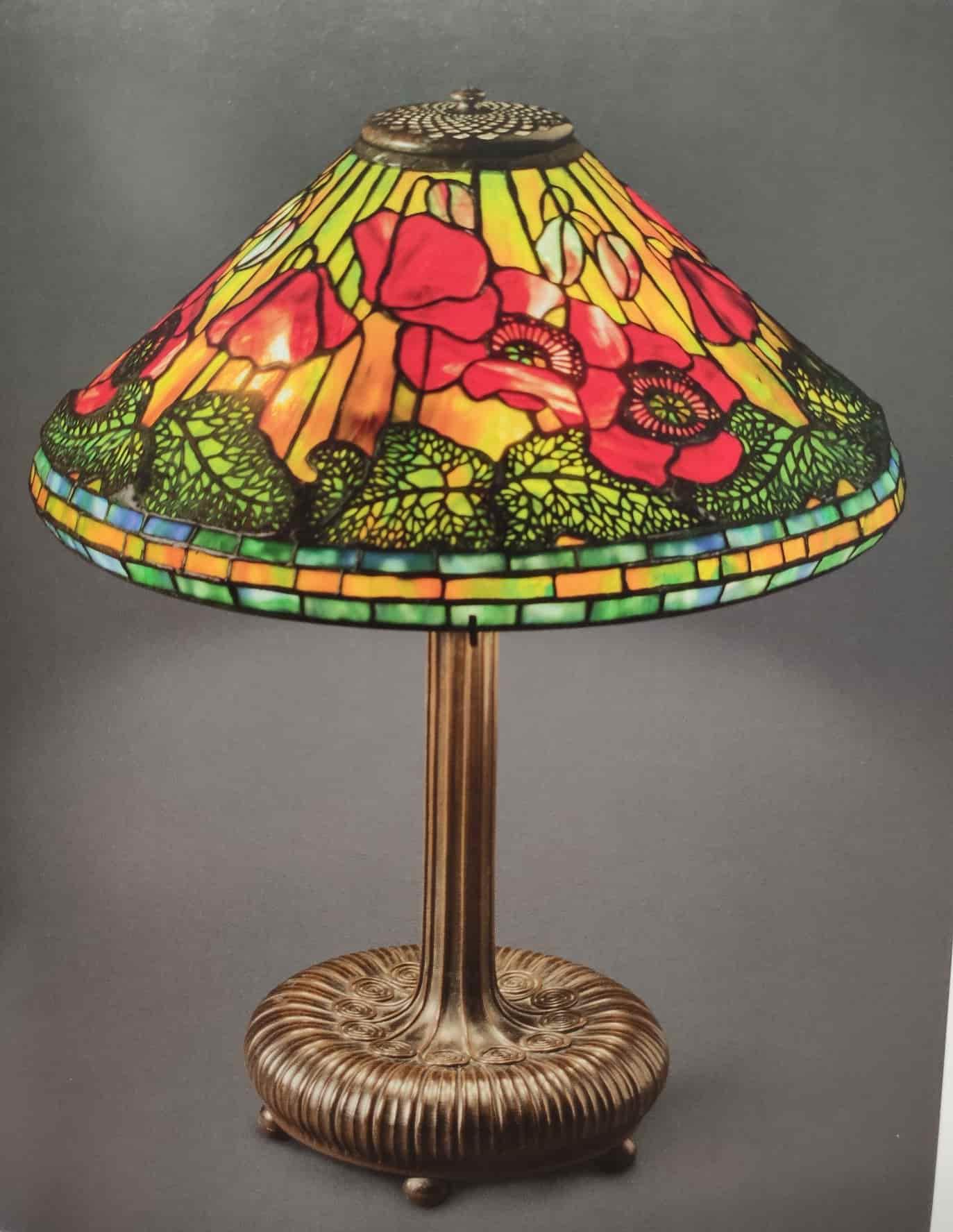 lampada da tavolo tiffany con tulipani e