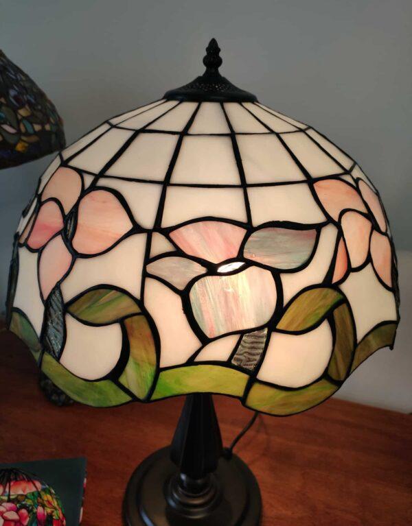 Lampada da Tavolo Tiffany con Fiori Rosa Azzurri Viola 5